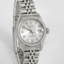 Rolex 79240 26mm Stainless Steel W/ Silver Concentric Dial And Engine Turned Bezel with Jubilee Bracelet - Ladies Pre-Owned Watch